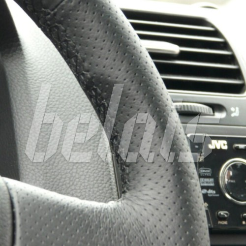 Оплетка на руль из натуральной кожи Volkswagen Golf Plus I 2005-2009 г. (черная)